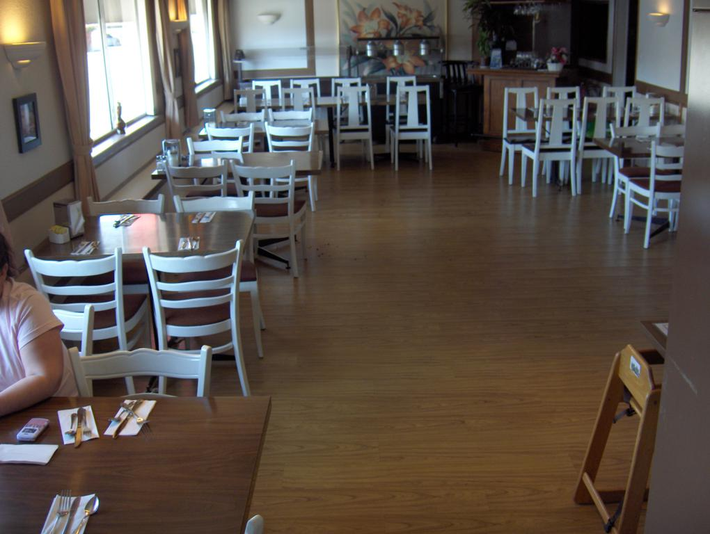 Dining-room21020x768